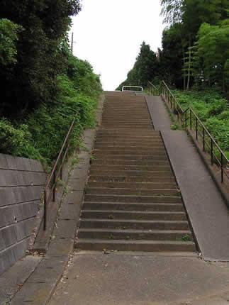 秋水排気口の階段